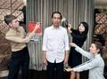 Jokowi Kirimkan Batik untuk 'Kembarannya' di Hong Kong