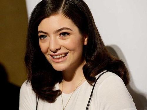 Bertahun-tahun Jerawatan, Ini Pesan Lorde untuk Kamu yang Wajahnya Senasib