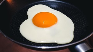 Telur Goreng 'Palsu' Khusus untuk Vegan