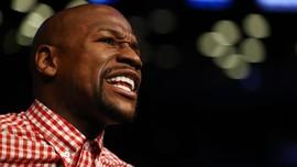 Pukulan Lembek, Mayweather Sulit Menang Lawan Khabib di UFC