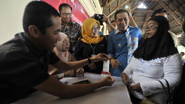 Tahun Pilpres, Jokowi Tambah Dana Bansos Nyaris Rp100 Triliun