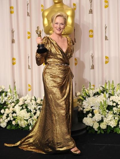 Jawaban Meryl Streep Soal Minta Bayaran untuk Pakai Gaun Chanel di Oscar