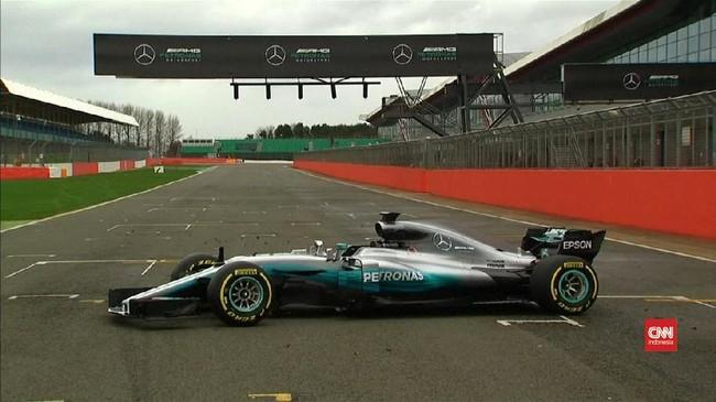 Hamilton dan Bottas Jajal Senjata Baru Mercedes