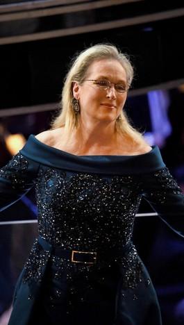 Ini Gaun yang Dipakai Meryl Streep di Oscar Pasca Ribut dengan Chanel