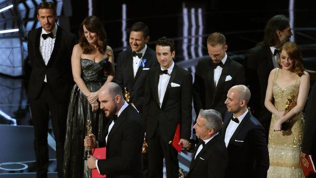 Salah Baca, Moonlight Jegal La La Land Jadi Film Terbaik 2017