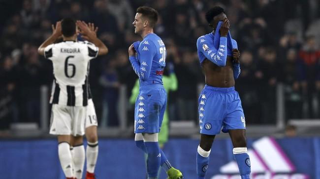 Skor 3-1 untuk Juventus bertahan hingga laga usai. Selanjutnya Juventus akan menghadapi Napoli di Stadion San Paolo pada semifinal leg kedua, 5 April 2017.(AFP PHOTO / Marco BERTORELLO)