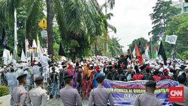 Kronologi Pedemo Lempari Batu ke Polisi Usai Sidang Ahok