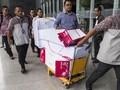 Berkas Perkara Korupsi e-KTP Diangkut Troli Saat Pelimpahan