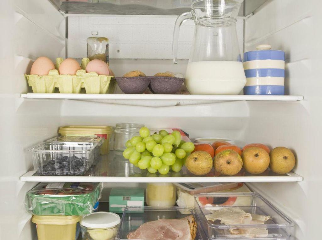 8 Bahan Makanan Ini Sebaiknya Jangan Ditaruh di Dalam Kulkas