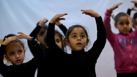 Menggemaskannya Kelas Balet Cilik Di Mesir