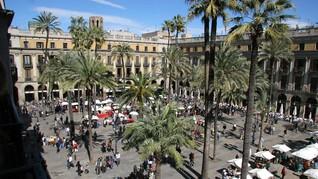 Kunjungan Turis ke Barcelona Turun di Tengah Drama Referendum