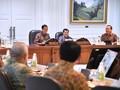 Jokowi Serahkan Kursi Ketua Pengarah Asian Games pada JK