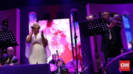 Dira Sugandi dan Rossa Beri Warna Java Jazz 2019