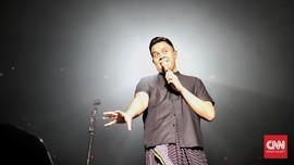 Lantunan Cerita Hidup Tulus di Konser 'Monokrom'