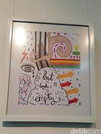 Lukisan berjudul 'Empty' ini karya Vindy Ariella yang juga orang dengan bipolar. Vindy sendiri merasa melukis bisa menjadi kegiatan yang baik untuk menyampaikan hal-hal yang tengah dirasakannya. (Foto: Nurvita Indarini/detikHealth)