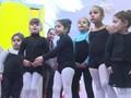 Kelas Balet Anak di Daerah Konservatif Mesir