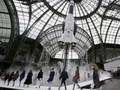 Momen-momen Mengejutkan Sepanjang Paris Fashion Week 2017