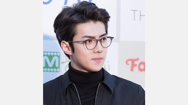 Sehun EXO Jadi Pria Berbusana Terbaik di Show Louis Vuitton