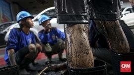 Jungkir Balik Pasukan Gorong-gorong Tangkal Banjir
