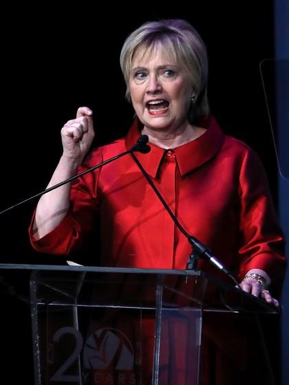 Potong Rambut, Gaya Baru Hillary Clinton Jadi Viral