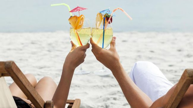 Fungsi Hiasan Payung Kecil dalam Cocktail