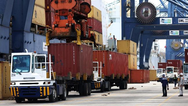 Neraca Perdagangan RI Surplus US$900 Juta per Oktober