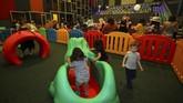 <p>Dalam bioskop yang dibuka pada 16 Maret lalu, wahana atau arena khusus bermain anak dapat juga membantu anak-anak bersosialisasi dengan sebayanya dan melatih kemampuan interpersonal mereka. (REUTERS/Mike Blake)</p>