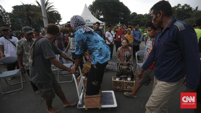 Petani Kendeng Terus Tuntut Jokowi Setop Proyek Semen Rembang