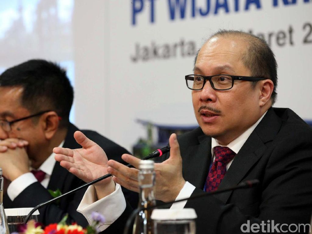 Direktur Keuangan PT Wijaya Karya Tbk (WIKA) Antonius NS Kosasih memberikan penjelasan soal hasil RUPST.