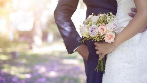 Menyikapi Tuntutan Orang Sekitar Agar Segera Menikah