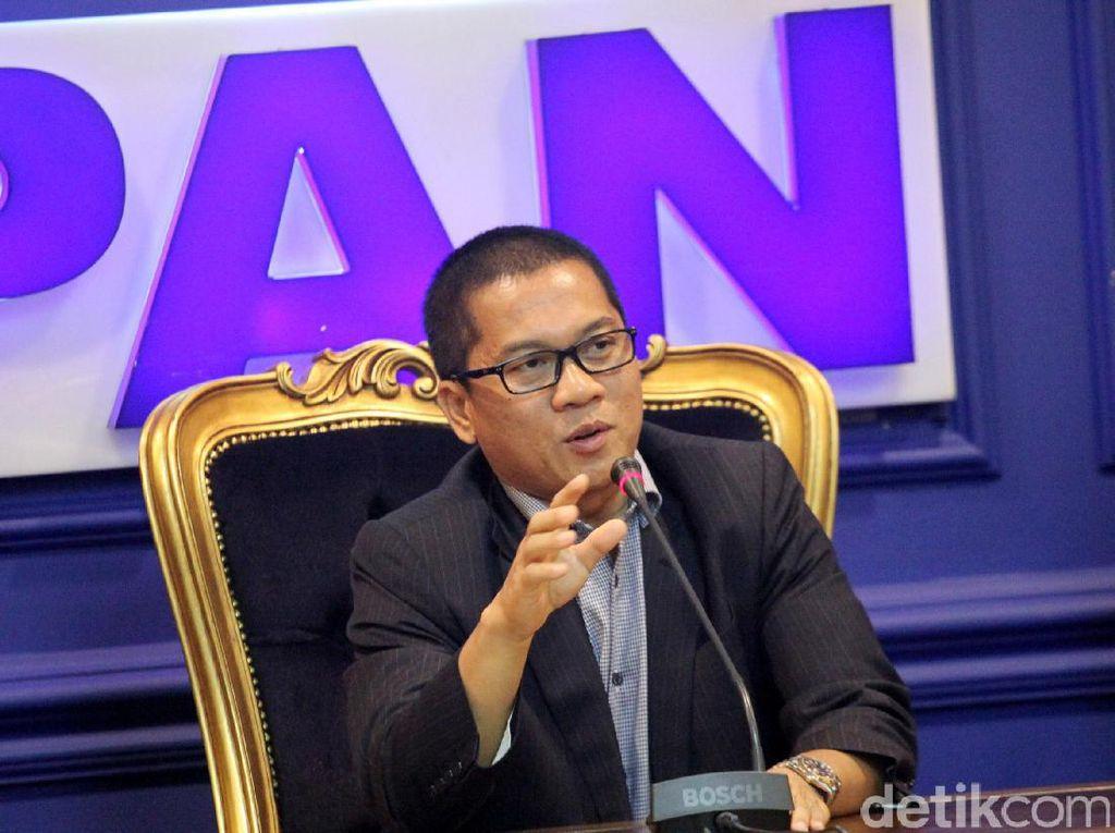 Menurut anggota Komisi II DPR ini, Ridwan Kamil sudah berhasil memimpin Kota Bandung dan merupakan tokoh yang dibutuhkan masyarakat Jawa Barat.