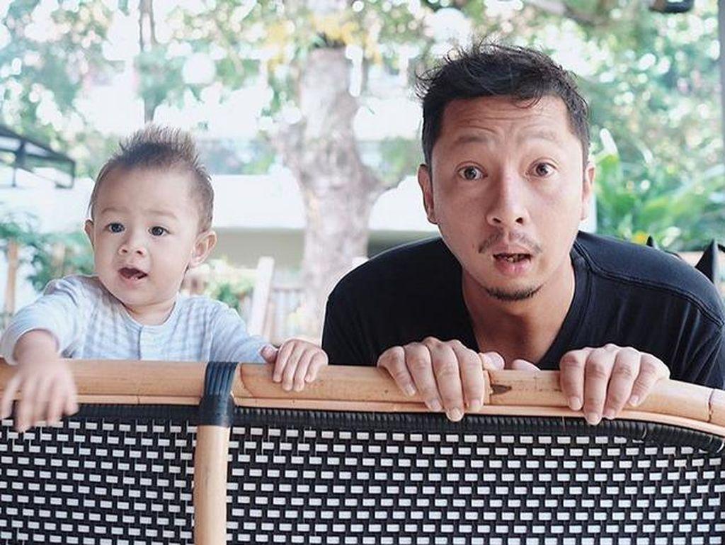 Lucunya Ringgo Agus Rahman dan sang putra, Bjorka. (Dok. Instagram/sabaidieter)