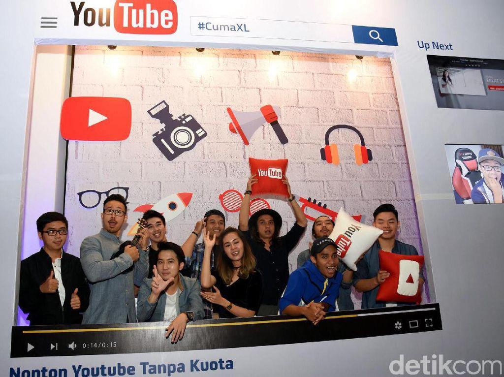 Penggila YouTube bisa tersenyum mendengar paket yang baru diluncurkan XL. Operator biru ini resmi mengumumkan paket barunya bertajuk Xtra Combo YouTube Tanpa Kuota.