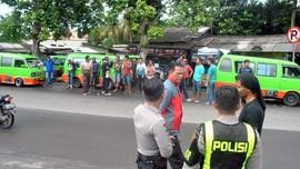 Tolak Taksi Online, Sopir Angkot Bandung Ancam Mogok Massal