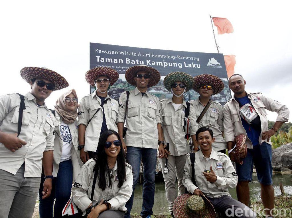 Usai menyusuri sungai, risers tiba di kawasan wisata Rammang-rammang bernama Taman Batu Kampung Laku.