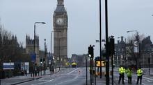 Mobil Tabrak Pagar Gedung Parlemen Inggris, Sopir Ditangkap
