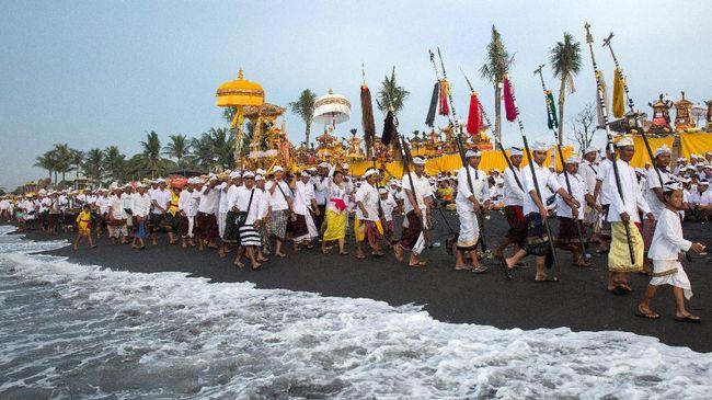 Bali Memulai Ritual Melasti Hari Ini