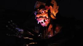 'Hantu-Hantu' Pariwisata di Bali