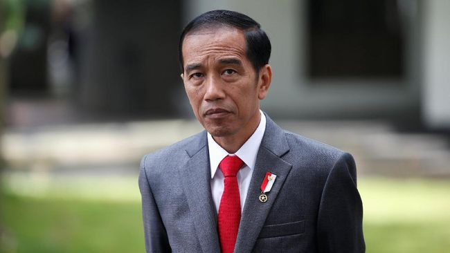 Tak Hanya Gebuk, Jokowi Juga Perintahkan Tendang PKI