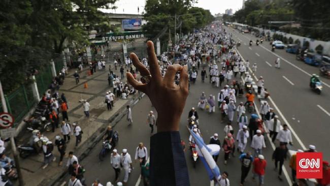 Saat ini, kepolisian tengah memeriksa empat pemimpin Aksi 313 itu di Mako Brimob Kelapa Dua. Tim Pengacara Muslim akan memberikan bantuan hukum. (CNN Indonesia/Adhi Wicaksono)
