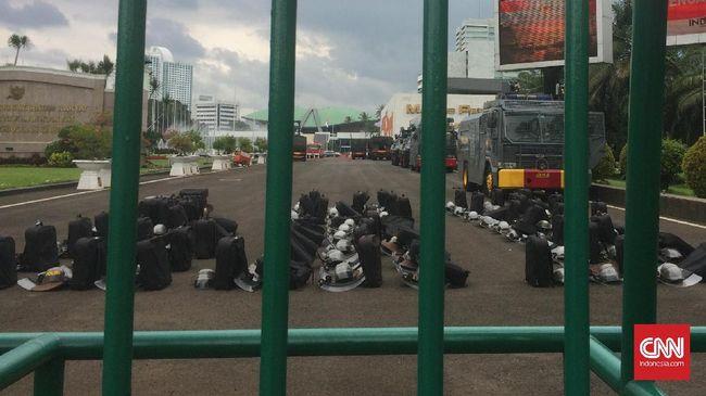 Massa Laskar 313 Ancam 'Duduki' DPR Tolak Perppu Ormas