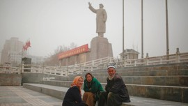 China Diduga Tahan 1,5 Juta Muslim di Xinjiang