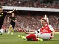 Guardiola Sesalkan 'Handball' Monreal Tak Berbuah Penalti