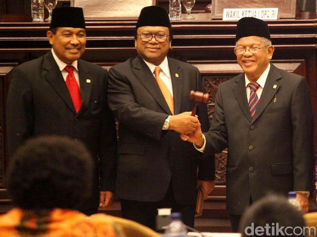 AM Fatwa juga pernah menghadiri pelantikan Oesman Sapta Odang (OSO) sebagai ketua DPD beberapa waktu lalu. Foto: Lamhot Aritonang