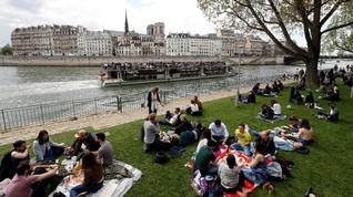 Tepi Sungai Siene Paris Kini Hanya Boleh Dilalui Pejalan Kaki