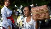 Jalan raya dilaporkan lengang karena seluruh instansi pemerintah dan swasta di Bali menjalani hari libur lokal selama tiga hari untuk memberikan kesempatan masyarakat beribadat dengan khusyuk. (AFP PHOTO / SONNY TUMBELAKA_
