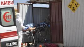 Dokter di Idlib Demo Minta Perlindungan dari Gempuran Assad