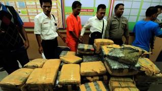 Polisi Temukan 1,3 Ton Ganja Aceh di Tumpukan Karung Arang