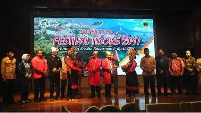 Napak Tilas Penjajahan Belanda dalam Parade Juanga Tidore