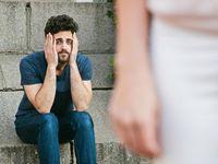 Salah satu tanda kekasihmu mulai selingkuh adalah ia mulai menunjukkan ketidakperhatiannya. Ia tidak akan melontarkan pujian ataupun gombalan kepadamu. (Foto: Thinkstock)